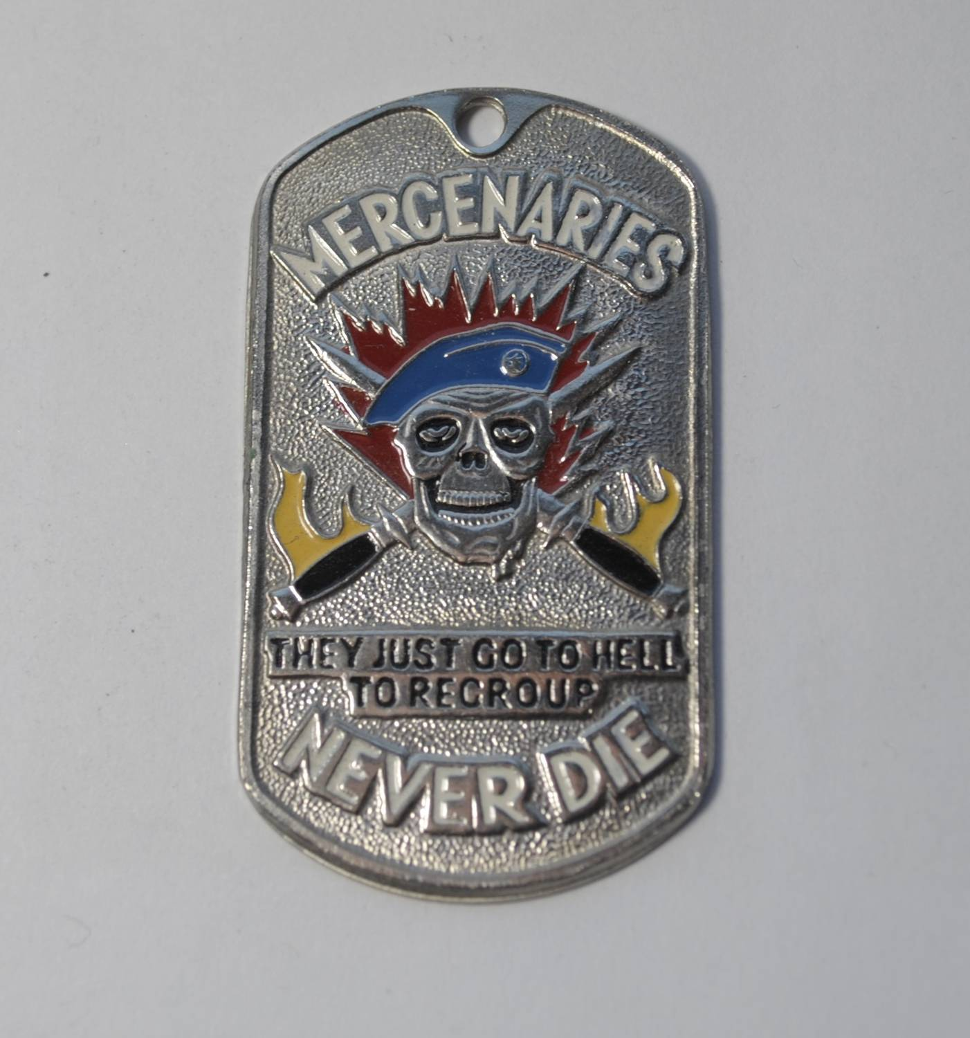 Жетон MERCENARIES NEVER DIE синий берет